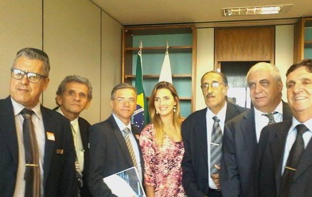 DEPUTADA FEDERAL CLARISSA GAROTINHO RECEBE PRESIDENTE DA ANADIP DO BRASIL E ASSUME COMPROMISSO EM APOIO À CLASSE DOS DETETIVES